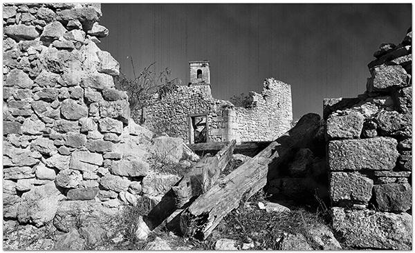Entre ruinas en Otxate