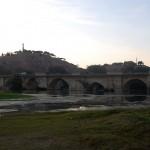 Puente del río Ebro en Tudela, importante localidad de la Ribera Navarra y conocida por su rico patrimonio histórico y arquitectónico